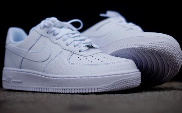 nike air force 1 low blanc