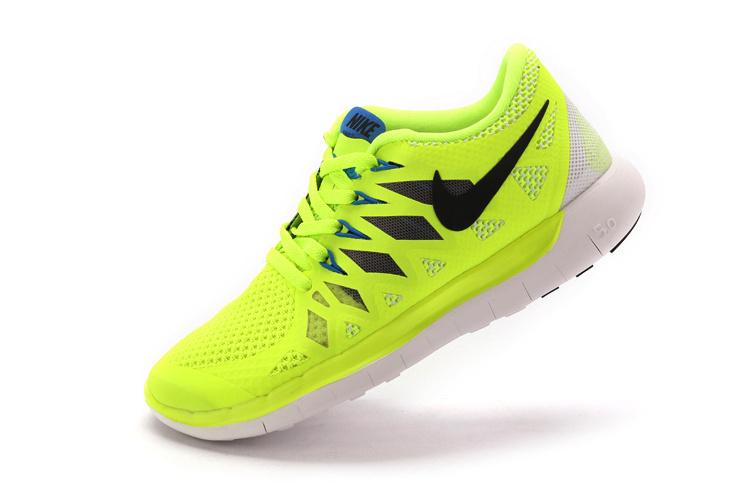 chaussures nike jaune fluo