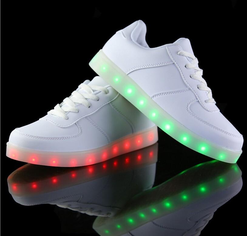 chaussure nike lumiere