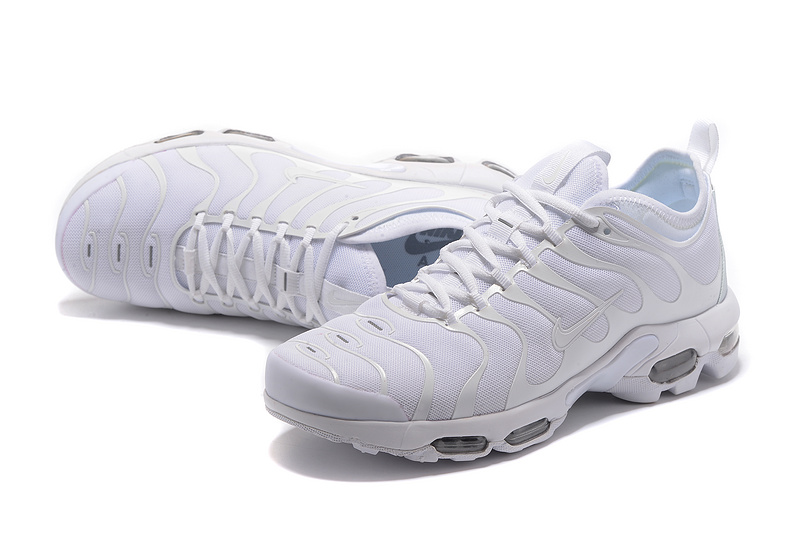 chaussure tn nike homme blanche